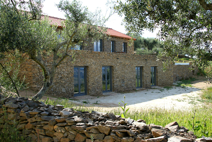 Maisons de style  par Germano de Castro Pinheiro, Lda, Rustique Pierre
