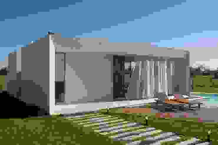 Projekty,  Domy zaprojektowane przez VISMARACORSI ARQUITECTOS, Nowoczesny