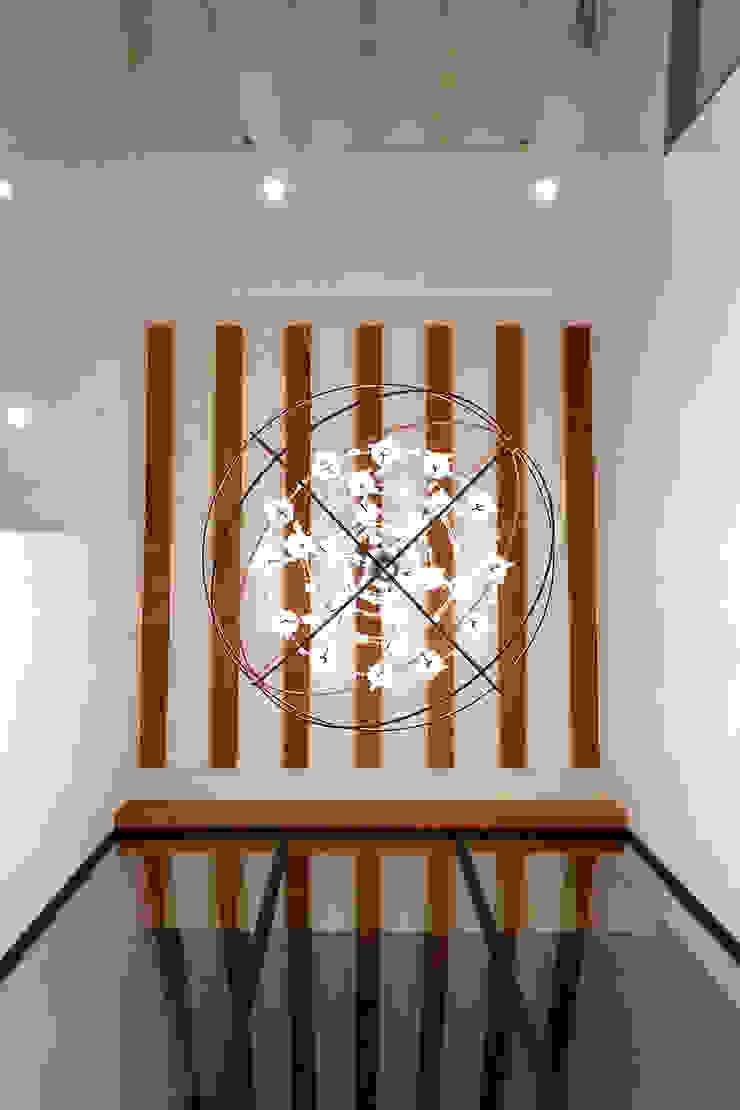 Moderner Flur, Diele & Treppenhaus von Imativa Arquitectos Modern