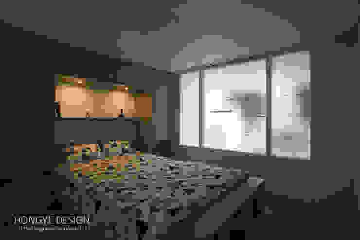Modern style bedroom by 홍예디자인 Modern
