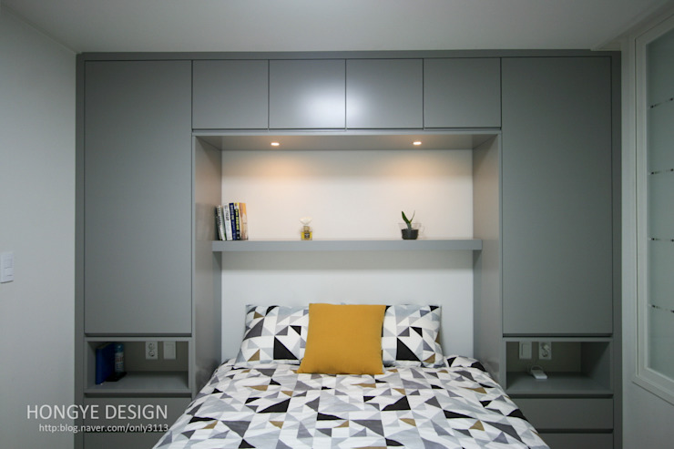 Modern style bedroom by 홍예디자인 Modern