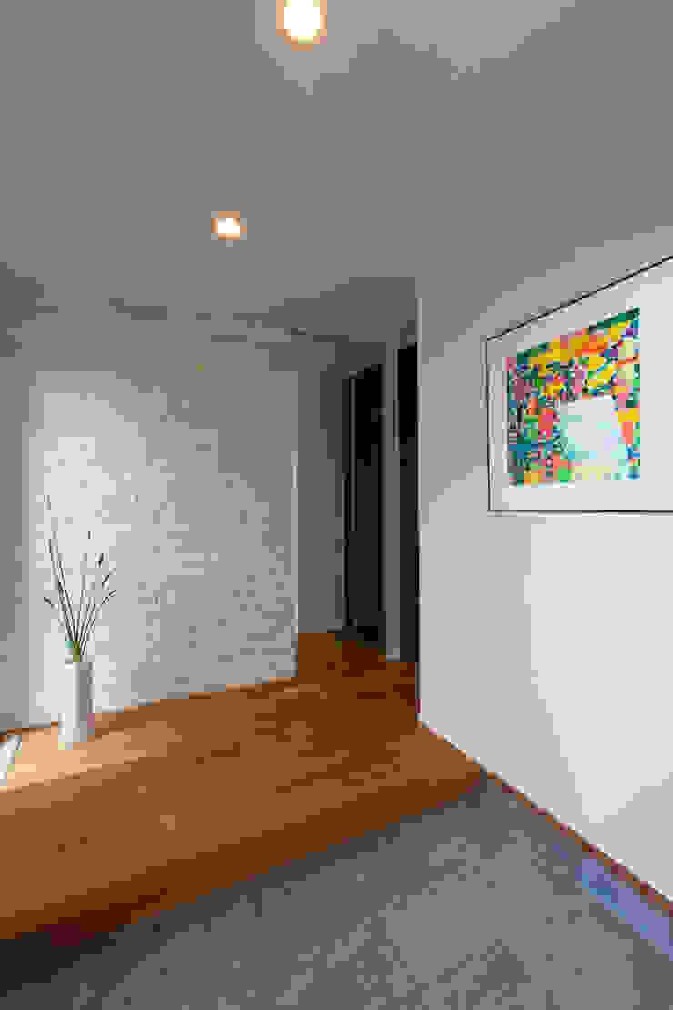 河内長野の家 モダンスタイルの 玄関&廊下&階段 の 株式会社 atelier waon モダン