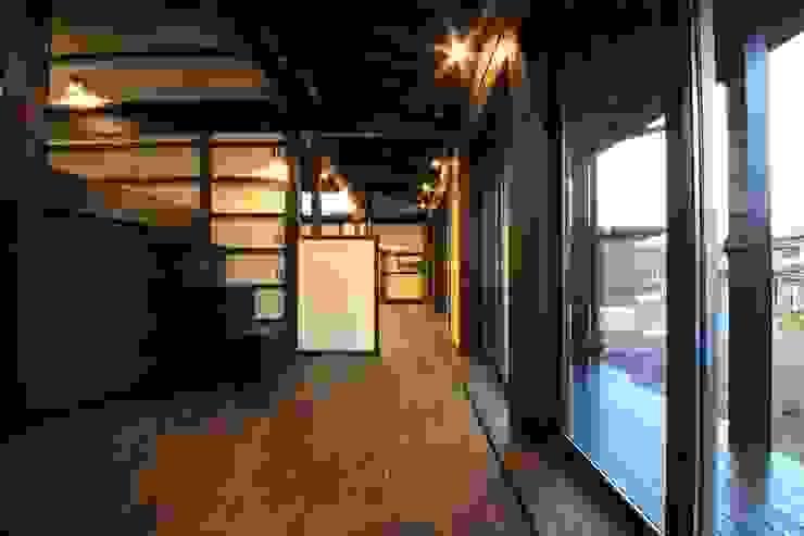 薪ストーブの家 群馬県 中之条町 オリジナルデザインの 多目的室 の 田村建築設計工房 オリジナル