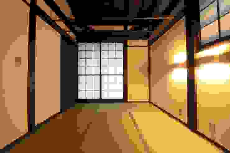 薪ストーブの家 群馬県 中之条町 オリジナルスタイルの 寝室 の 田村建築設計工房 オリジナル