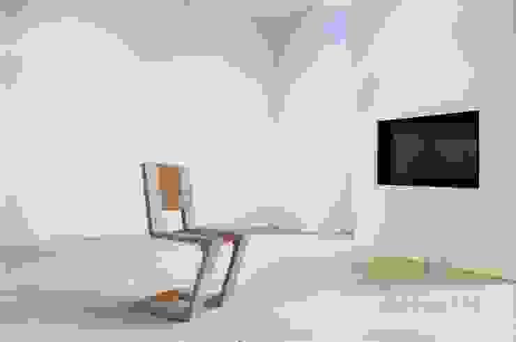 Betonowe meble Nowoczesny salon od Modern Line Nowoczesny