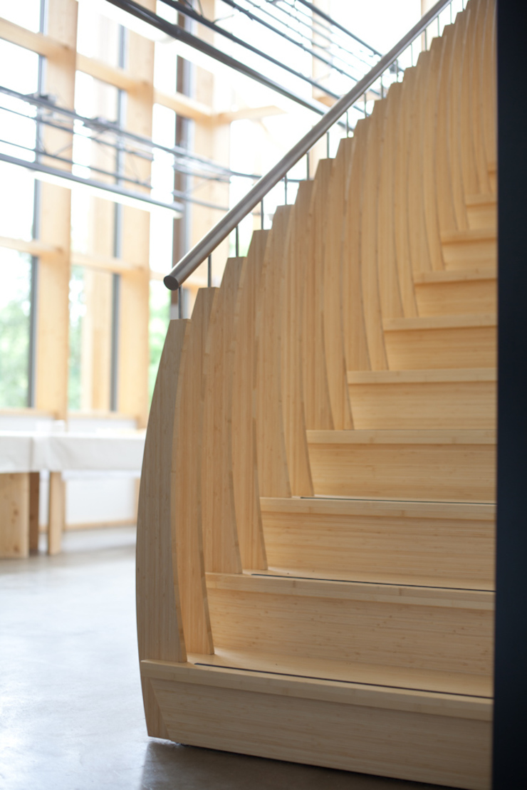 MindStep by ​EeStairs® od EeStairs | Stairs and balustrades Skandynawski Bambus Zielony