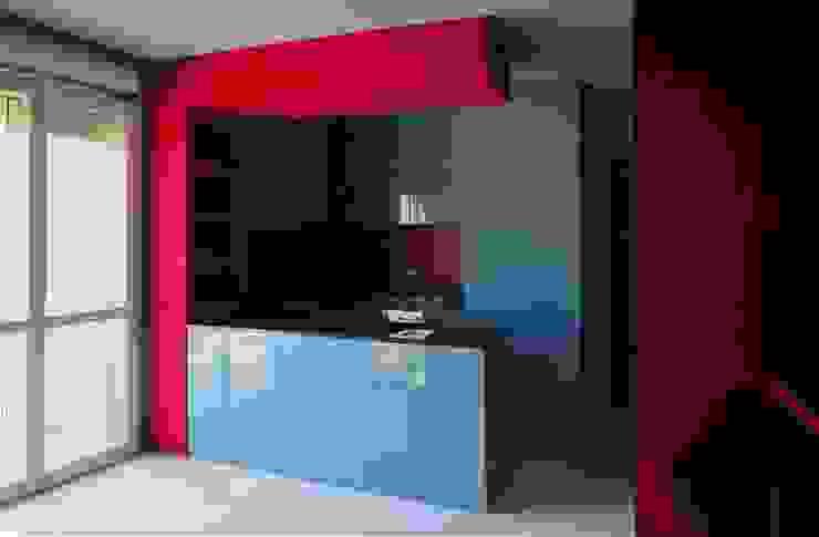 ARREDAMENTI MAMA Modern style kitchen Wood Turquoise