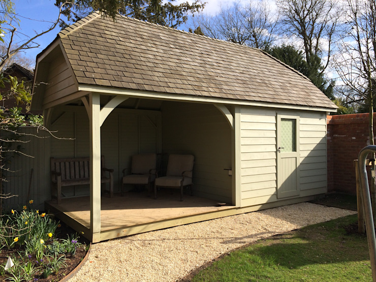 Suffolk Garden Store and Shelter Garajes y galpones de estilo rural de Garden Affairs Ltd Rural Madera Acabado en madera