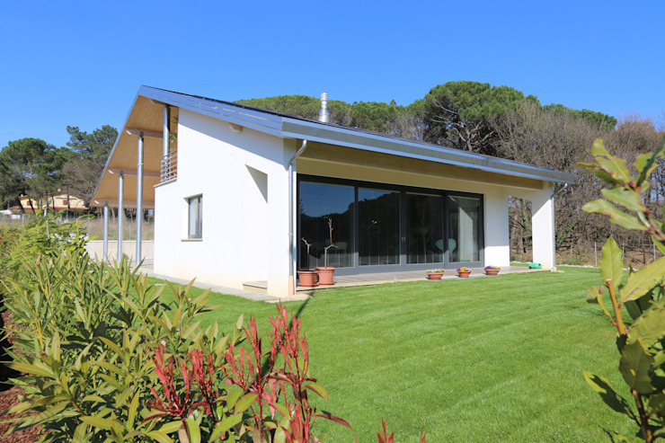 Rumah Modern Oleh marco carlini architetto Modern
