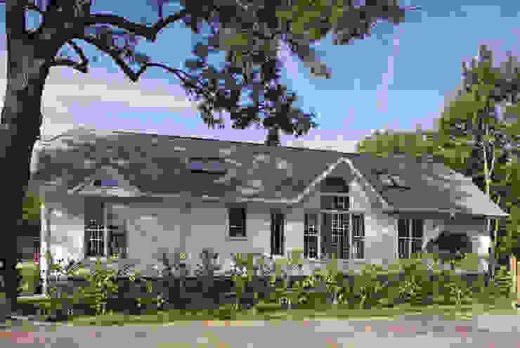 Neo Classical Design For New Build Family Home Marvin Windows and Doors UK Pintu & Jendela Gaya Klasik
