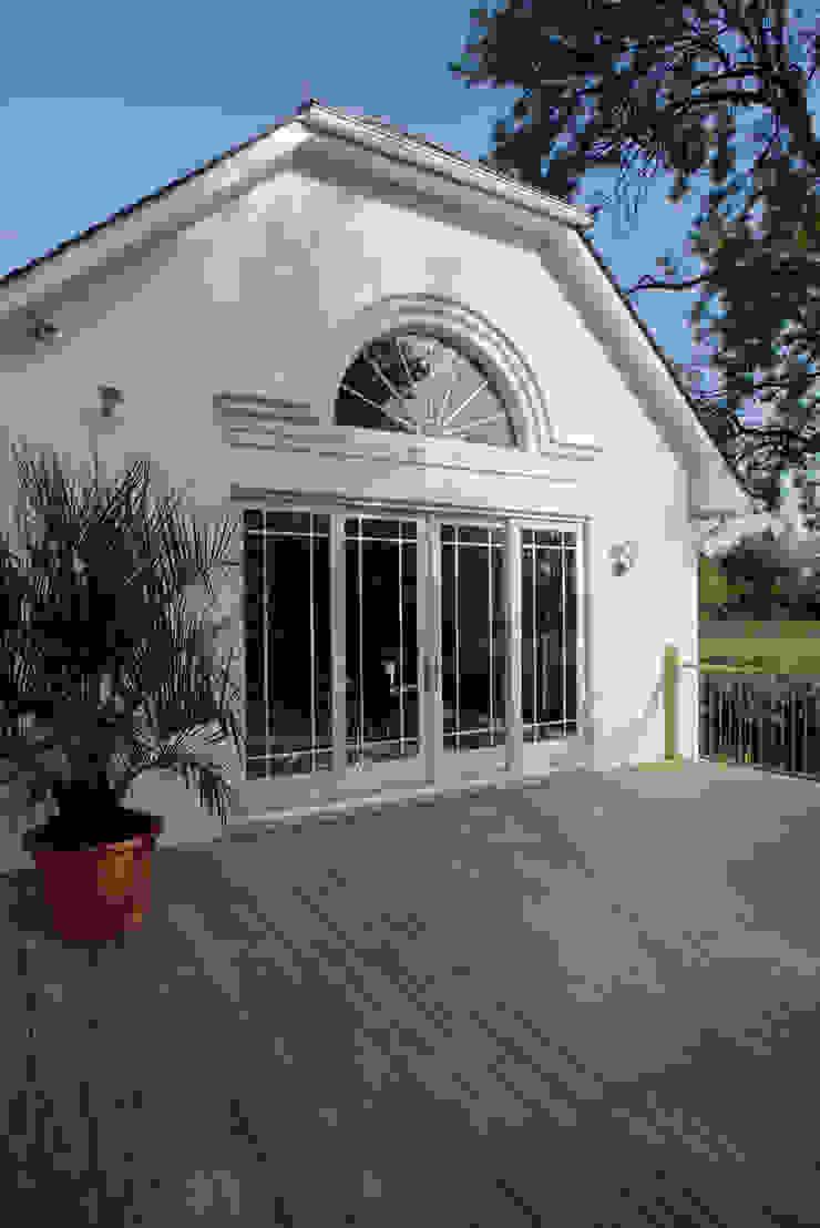 SLiding Door Round Window Marvin Windows and Doors UK Pintu & Jendela Gaya Klasik