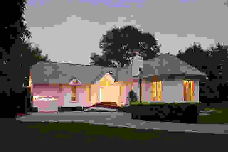 Classical New Build Marvin Windows and Doors UK Pintu & Jendela Gaya Klasik