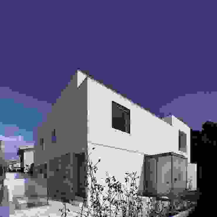 Fachada Poente Casas minimalistas por João Laranja Queirós Minimalista