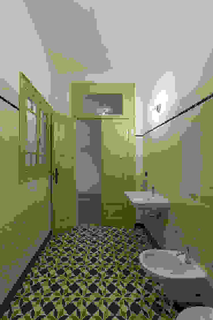 Quarto de Banho Casas de banho clássicas por Inês Pimentel Arquitectura Clássico
