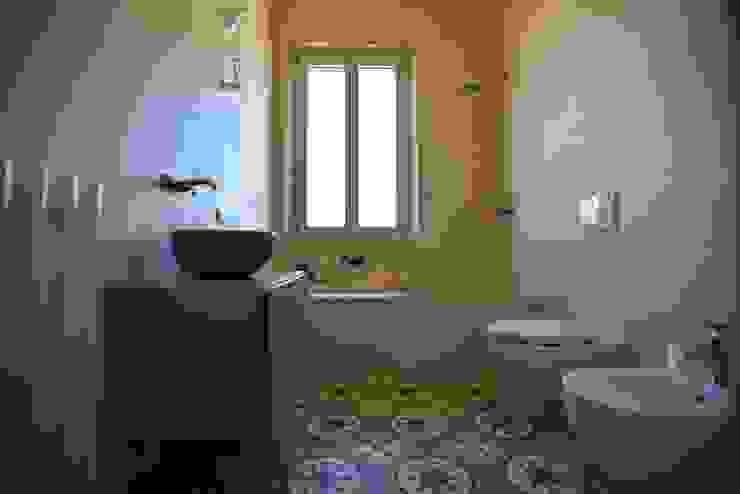 Baños clásicos de K.B. Ristrutturazioni Clásico Azulejos
