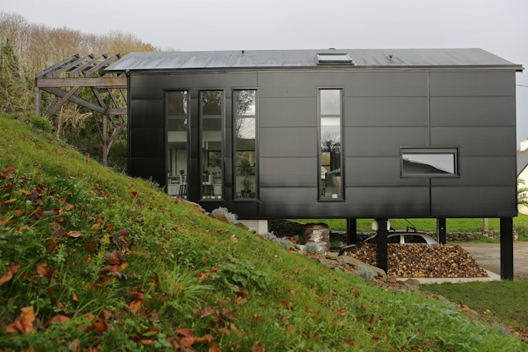 Skandinavische Häuser von Bertin Bichet Skandinavisch Aluminium/Zink