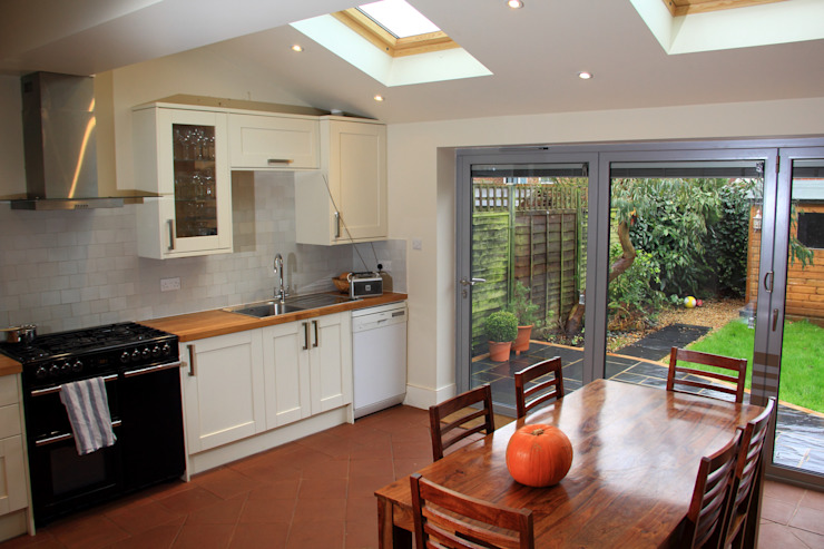 Ground Floor Extension, Drury Rd Classic style kitchen by London Building Renovation Classic