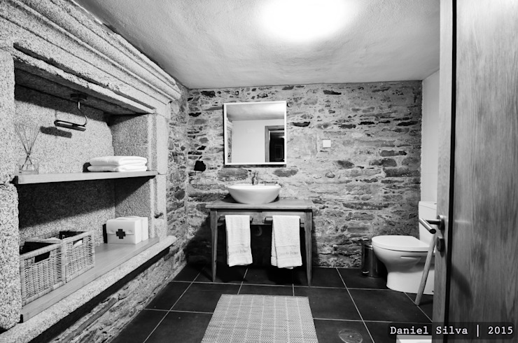 Baños de estilo  por Casa do Páteo, Rústico