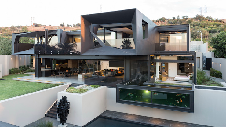 House in Kloof Road Case moderne di Nico Van Der Meulen Architects Moderno