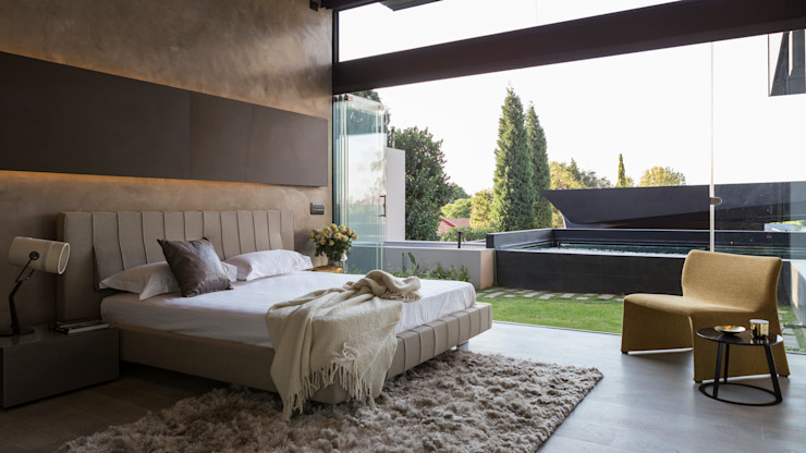 House in Kloof Road Modern style bedroom by Nico Van Der Meulen Architects Modern