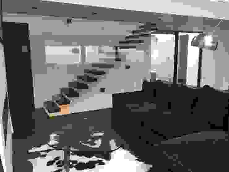 29 Firs Walk Modern Corridor, Hallway and Staircase by IDL Modern