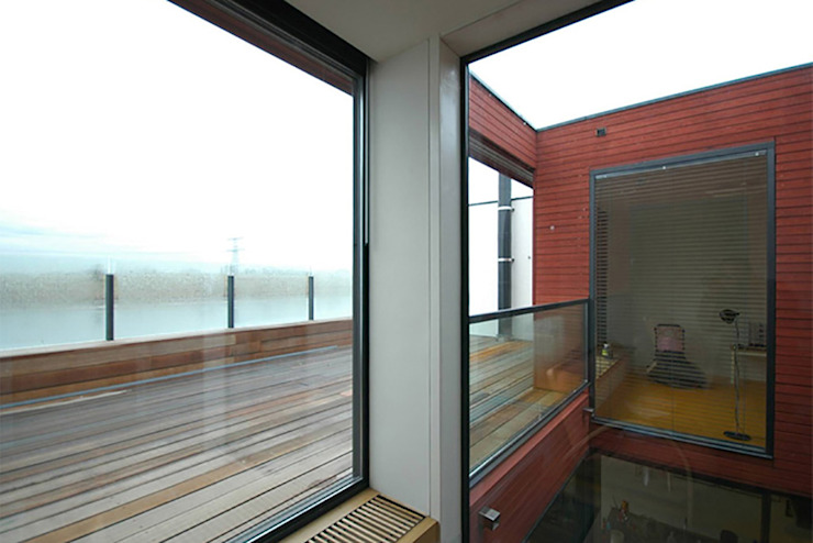 VILLA DE WAARD MENSINK, Ijburg, Amsterdam KENK Architecten Moderne balkons, veranda's en terrassen van KENK architecten Modern