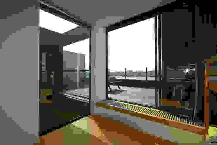 VILLA DE WAARD MENSINK, Ijburg, Amsterdam KENK Architecten Moderne slaapkamers van KENK architecten Modern