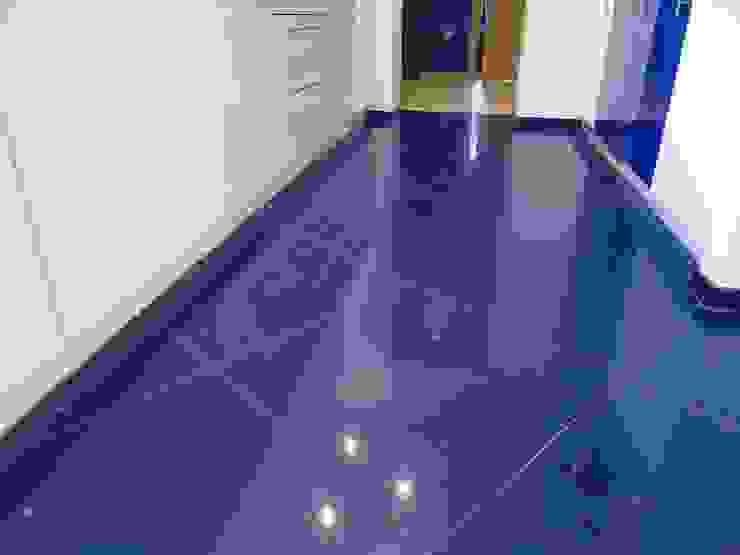 Merkam - Łódź ul. Św. Jerzego 9 Corridor, hallway & stairsClothes hooks & stands Batu Blue