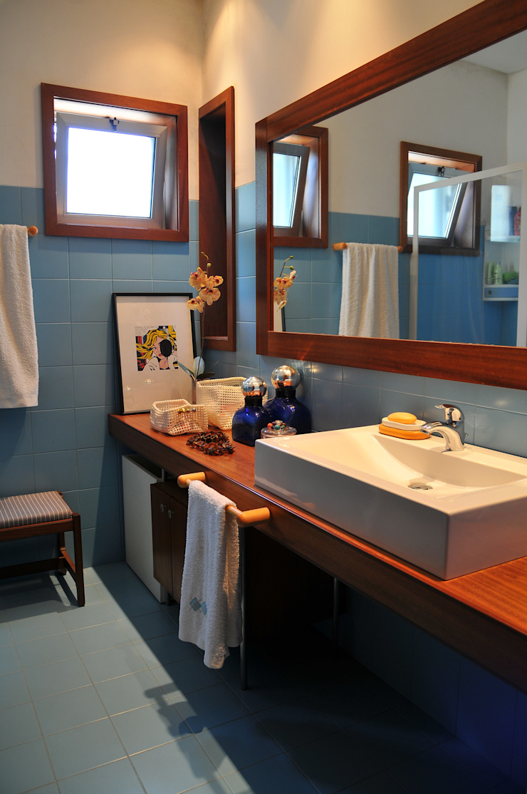 Luisa Pinho Arte e Decoração 現代浴室設計點子、靈感&圖片 Blue