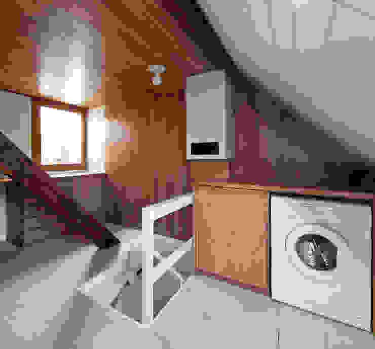 Casa Leiden Garagens e arrecadações modernas por SAMF Arquitectos Moderno