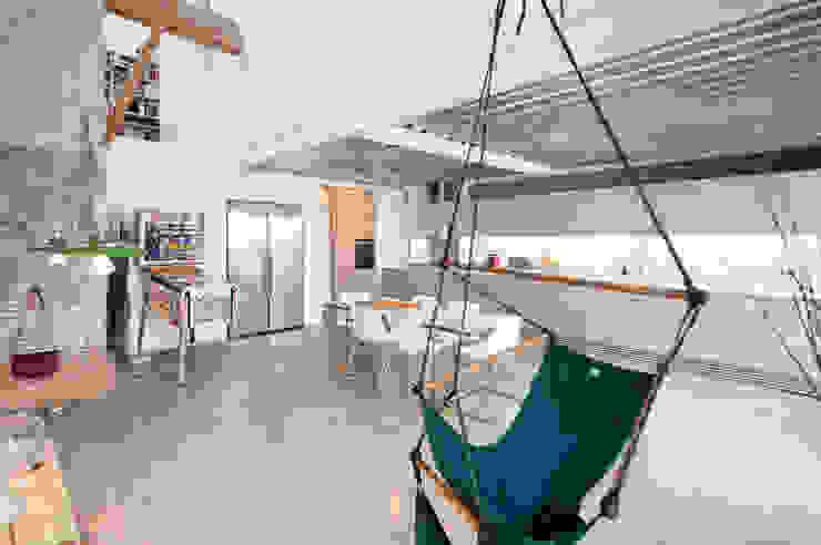 lluiscorbellajordi Modern dining room