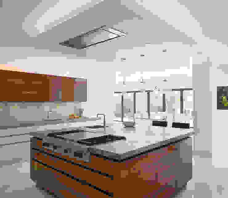 Roundhouse Urbo high gloss kitchen homify Cocinas minimalistas