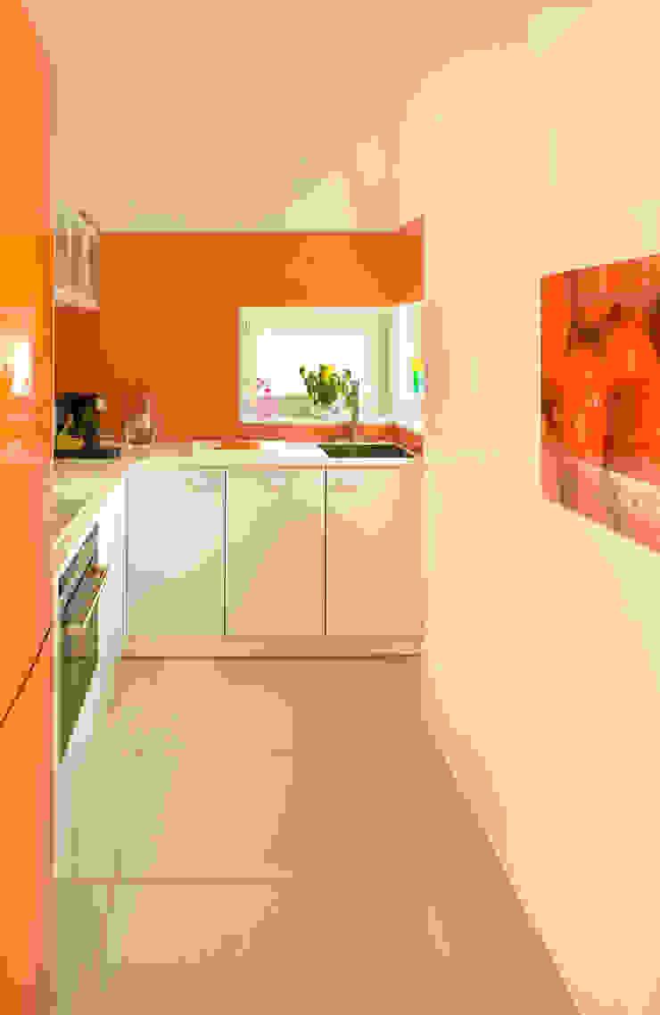 Modern Kitchen by Jeżewska & Zakrawacz Modern