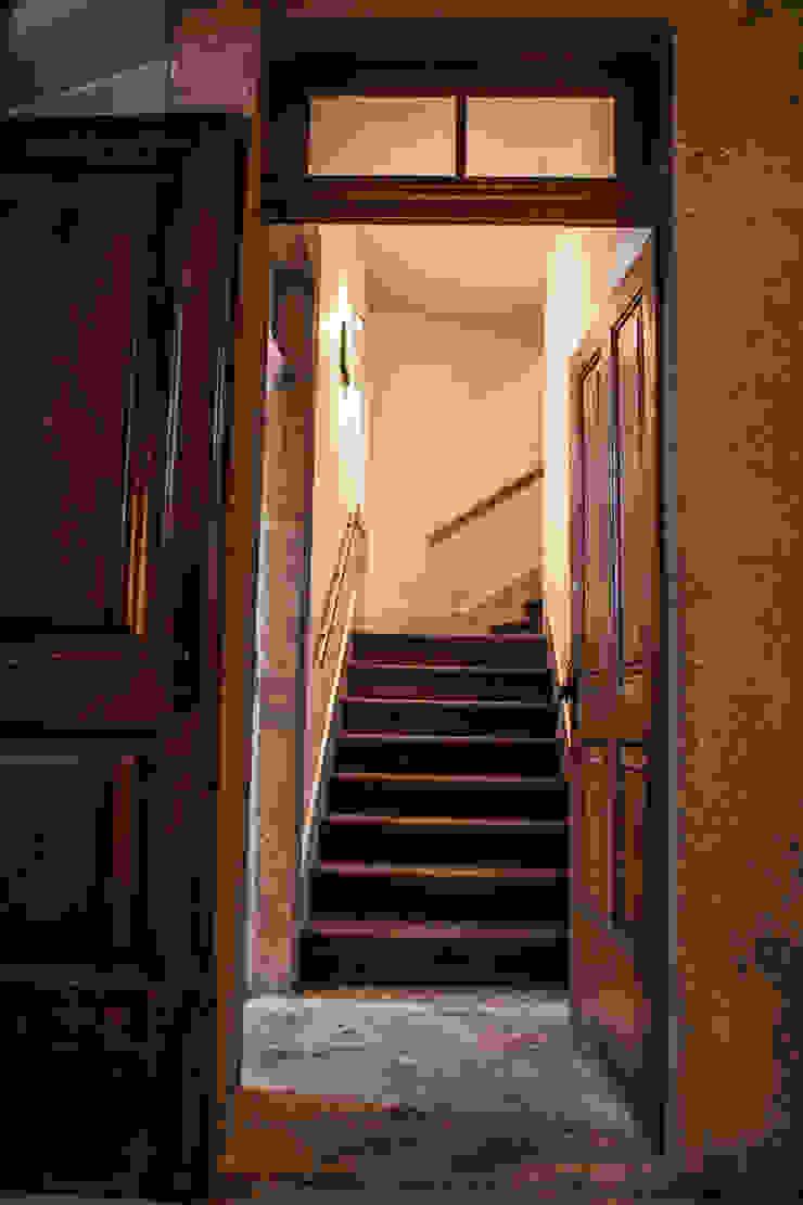 Bastos & Cabral - Arquitectos, Lda. | 2B&C Eclectic style corridor, hallway & stairs