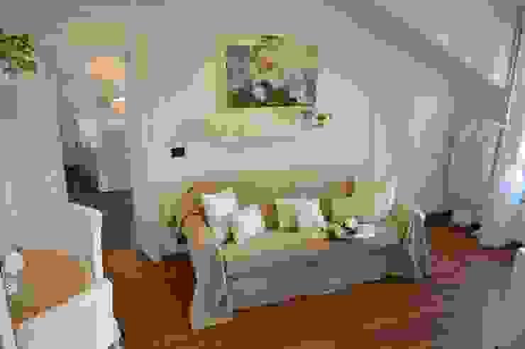 Salas de estar clássicas por Loredana Vingelli Home Decor Clássico