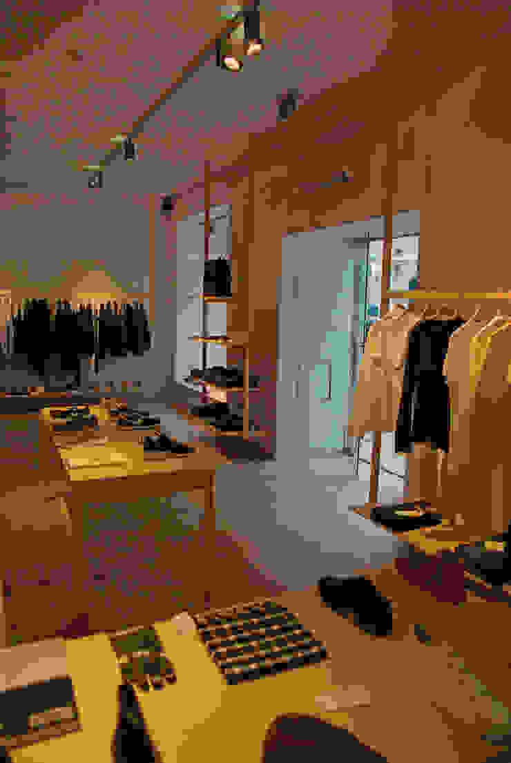 Loja Slou Lojas e Espaços comerciais modernos por Visual Stimuli Moderno