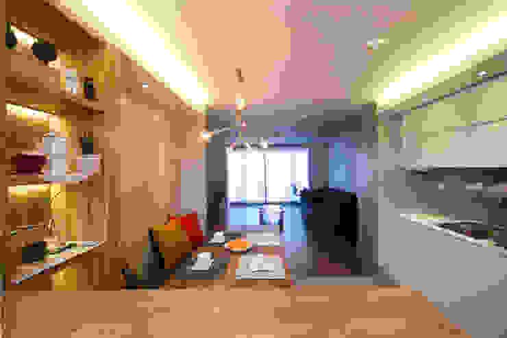 은은하고 심플한 럭셔리 하우스_31py 모던스타일 주방 by 홍예디자인 모던