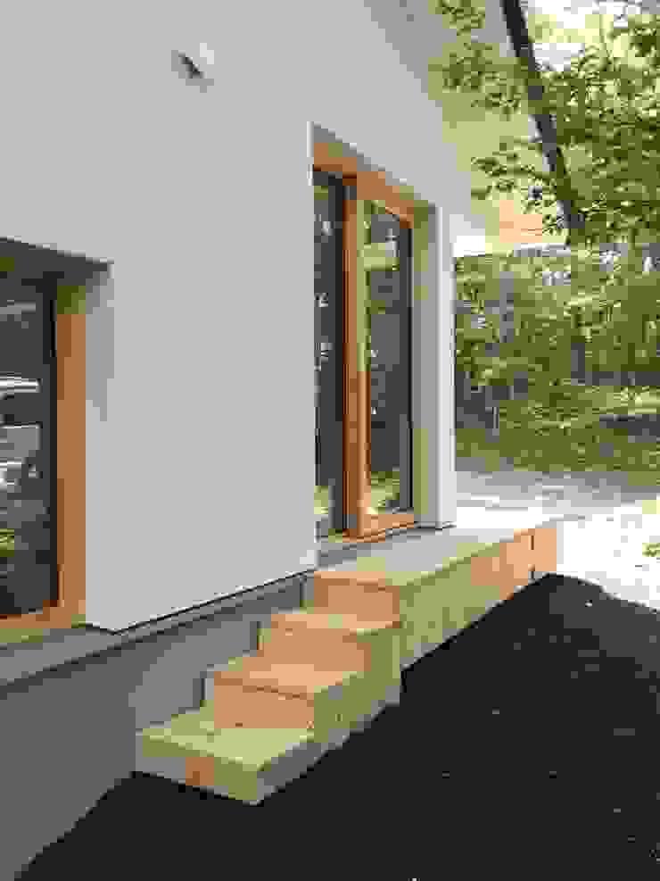 庭へ オリジナルな 家 の 株式会社山崎屋木工製作所 Curationer事業部 オリジナル