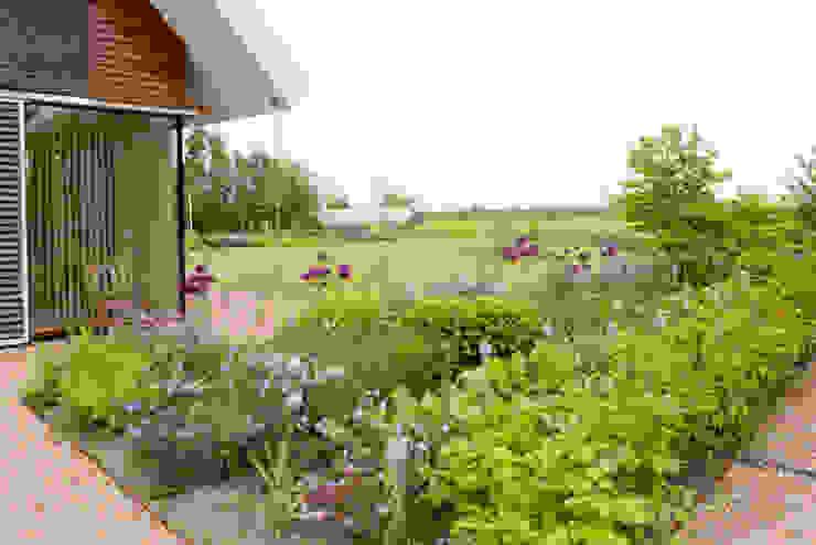 Vaste planten tuin in Houten Landelijke tuinen van Dutch Quality Gardens, Mocking Hoveniers Landelijk