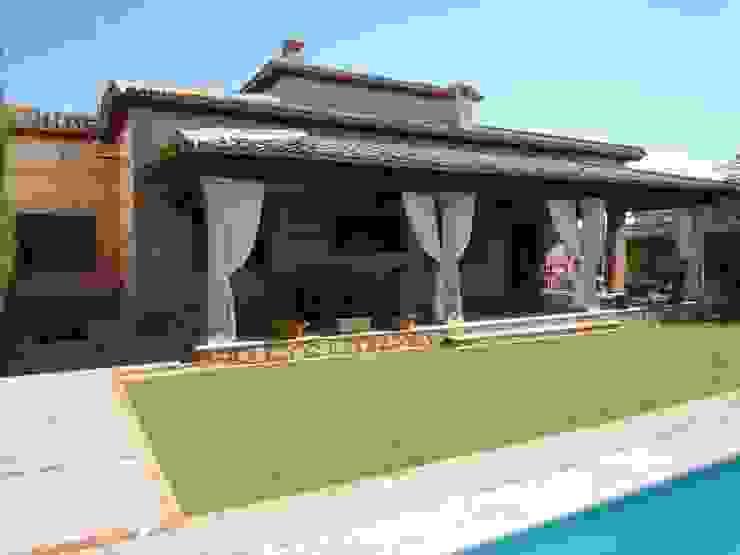 Balcones y terrazas rurales de CARLOS TRIGO GARCIA Rural
