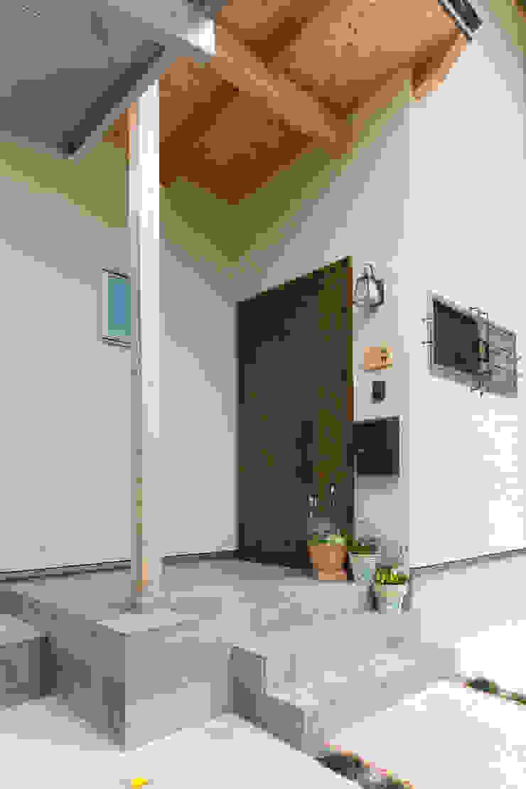 葛城の家 モダンな 家 の 株式会社 atelier waon モダン