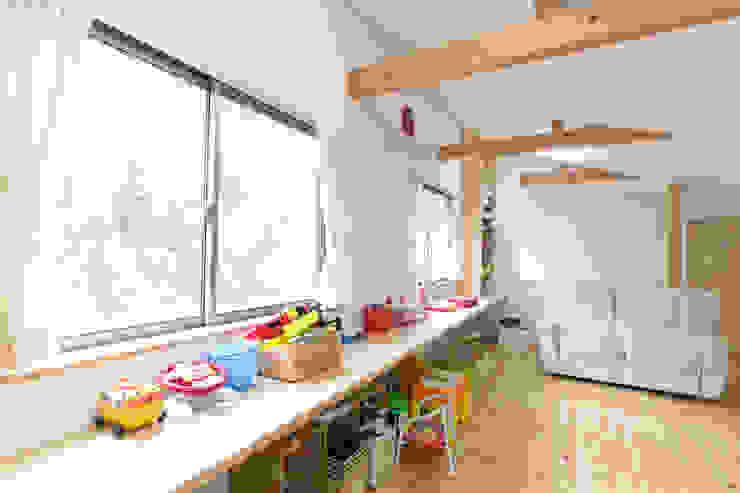 葛城の家 モダンデザインの 子供部屋 の 株式会社 atelier waon モダン