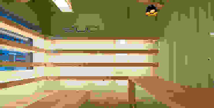 Zapateria Sûo Estudio TYL Oficinas y tiendas de estilo escandinavo