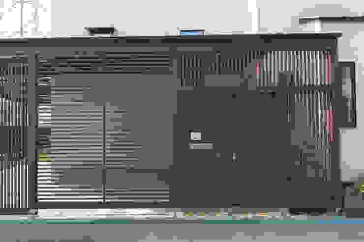 Дома в стиле модерн от 株式会社 atelier waon Модерн