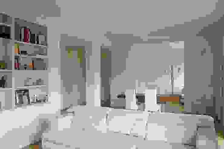 Appartamento G+S Soggiorno moderno di Andrea Gaio Design Moderno
