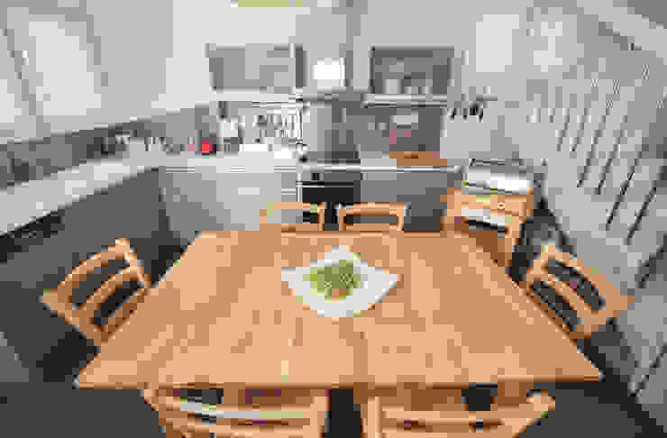 Mediterranean style kitchen by studio matteo fieni Mediterranean