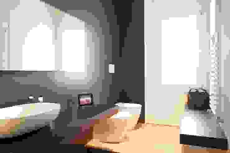 Appartamento G+S Bagno moderno di Andrea Gaio Design Moderno