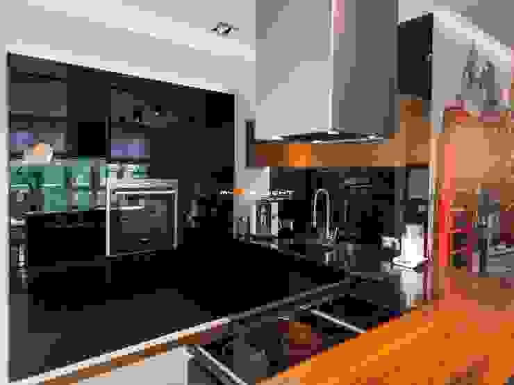 Cocinas modernas de MYSprojekt projektowanie wnętrz Moderno
