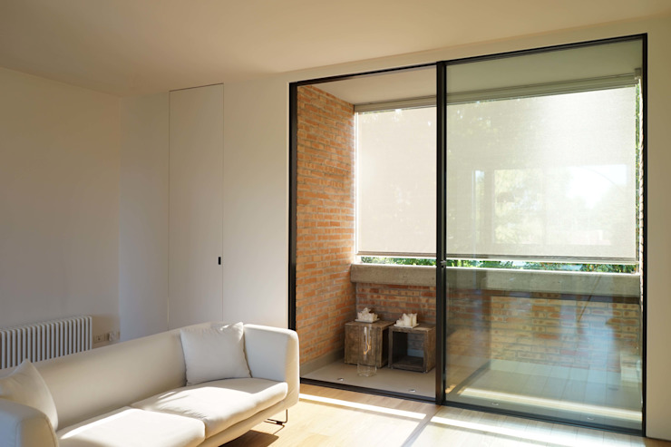 Moderne balkons, veranda's en terrassen van Andrea Gaio Design Modern