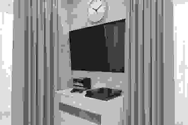 Minimalist media room by Антон Булеков Minimalist